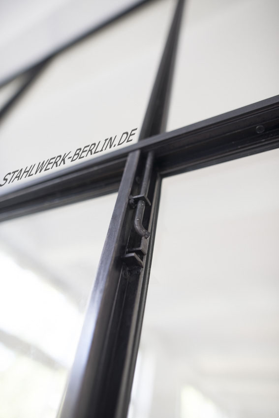 Stahl-Glas-Trennwand-Raumteiler-DETAIL